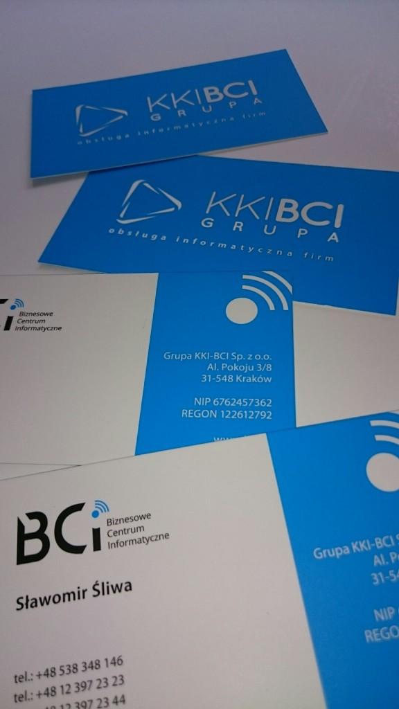 Wizytówki na Kredzie 350g z folią matową i lakierem wybiórczym UV dla KKI-BCI www.okiart.pl projketowanie wizytowki 1